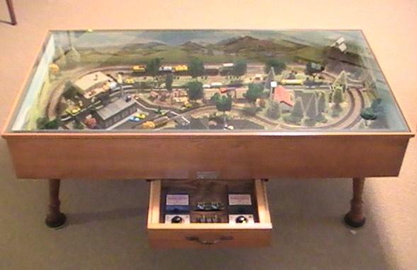 Admirable N Gaugetrain Coffee Table 002 Creativecarmelina Interior Chair Design Creativecarmelinacom
